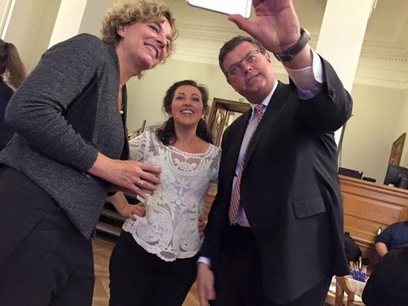 Общество, Спикер датского парламента хочет лишить депутатов доступа в социальные сети | Спикер датского парламента хочет лишить депутатов доступа в социальные сети