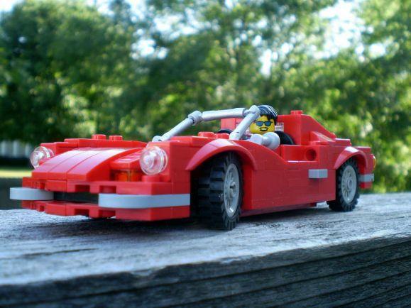 Бизнес, Что мощнее : датское LEGO или итальянский Ferrari ? | Кто мощнее : датское «Лего» или итальянский «Феррари»?