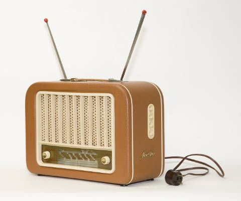Бизнес, Норвегия первой в мире полностью переведет радио в Интернет | Норвегия первой в мире полностью переведет радио в Интернет