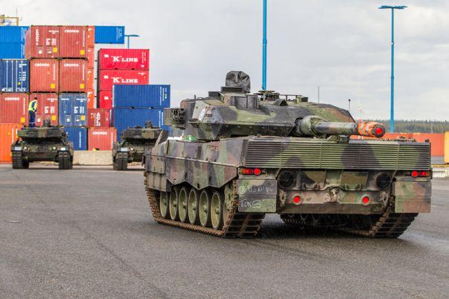 Калейдоскоп, В Хельсинки высадились немецкие танки |