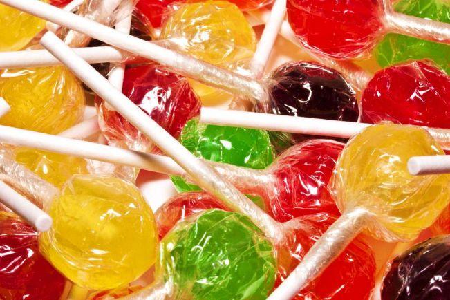 Общество, 80-летнюю финскую пенсионерку задержали за кражу одной конфеты | 80-летнюю финскую пенсионерку задержали за кражу одной конфеты