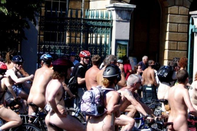 Общество, Голые велосипедисты проедут по улицам Копенгагена и Хельсинки   Голые велосипедисты проедут по улицам Копенгагена и Хельсинки