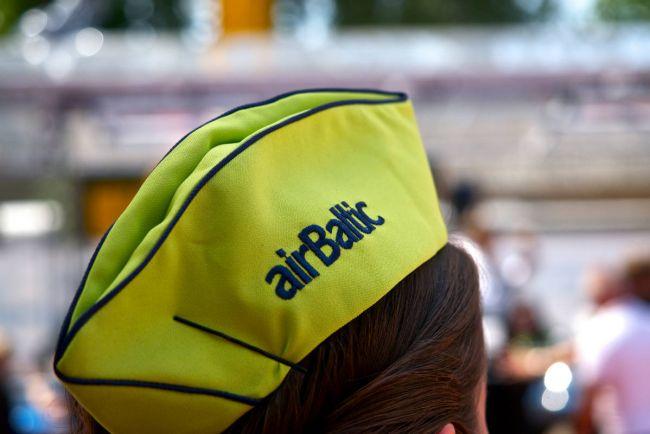 Калейдоскоп, Пилот и трое членов экипажа Air Baltic провалили предполётный тест на алкоголь   Пилот и трое членов экипажа Air Baltic провалили предполётный тест на алкоголь