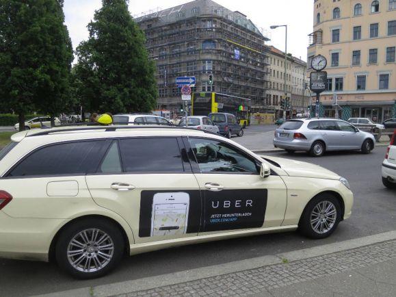 Бизнес, Финская полиция призывает сограждан доносить об Uber-таксистах | Финская полиция призывает сограждан доносить об Uber-таксистах
