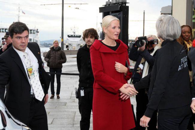 Общество, Норвежская кронпринцесса одевается хуже всех своих коллег | Норвежская кронпринцесса одевается хуже всех своих коллег