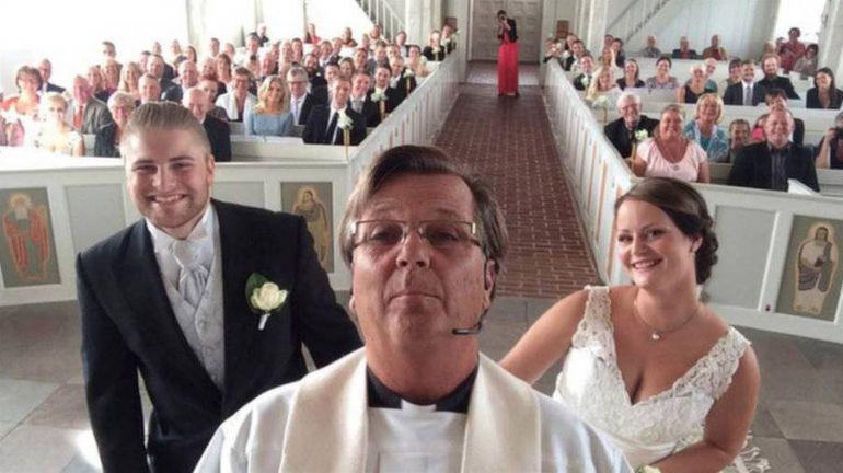 Калейдоскоп, Сэлфи священника со свадьбы стало популярным в шведском секторе Интернета | Сэлфи священника со свадьбы стало популярным в шведском секторе Интернета