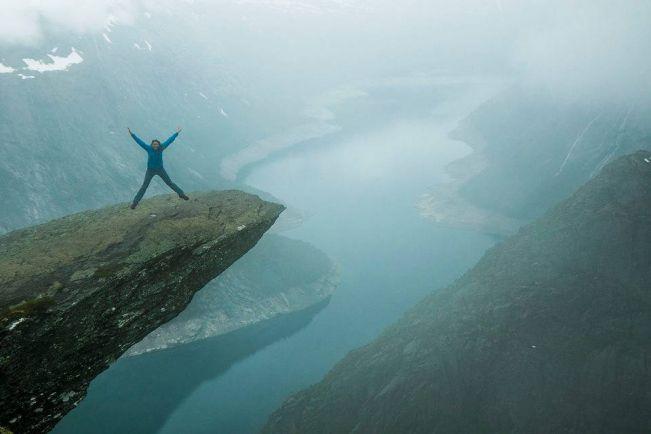 Туризм, Норвежский туристический портал удалил часть фотографий с «Языка тролля»   Норвежский туристический портал удалил часть фотографий с «Языка тролля»