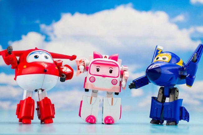 Общество, На шведском телевидении меняют пол мультипликационным самолётам и грузовикам | На шведском телевидении меняют пол мультипликационным самолётам и грузовикам
