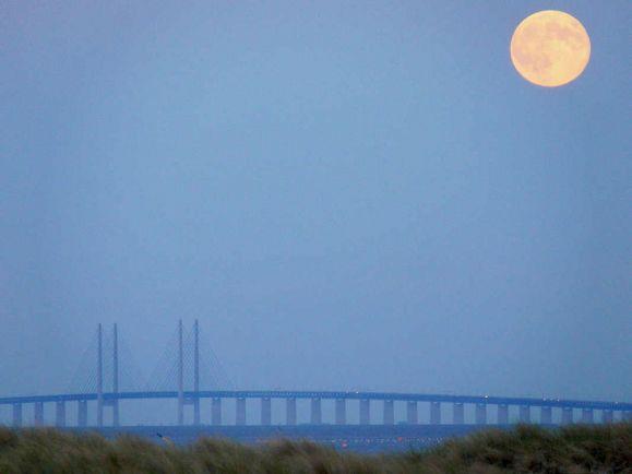 Полезная информация, Знаменитый мост между Швецией и Данией полностью закроют для движения | Знаменитый мост между Швецией и Данией полностью закроют для движения