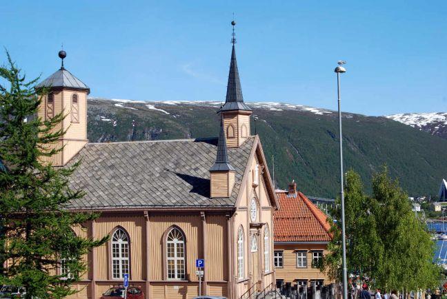 Общество, Католическая церковь Норвегии оштрафована за завышение количества прихожан | Католическая церковь Норвегии оштрафована за завышение количества прихожан