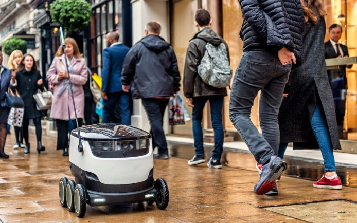 Бизнес, Эстонцы разрешили роботам-курьерам ходить по тротуарам | Эстонцы разрешили роботам-курьерам ходить по тротуарам